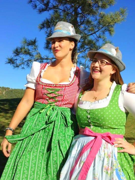 two Dirndl girls