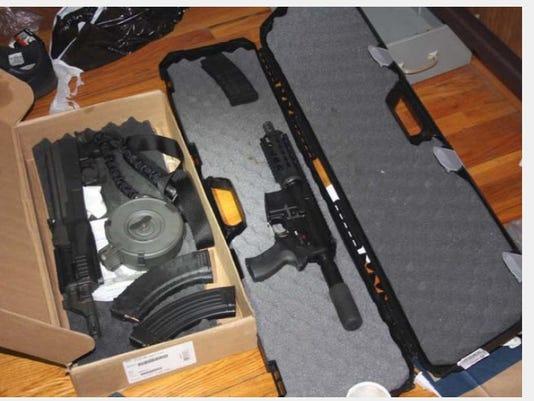 635954611892764774-guns.jpg