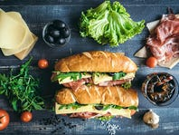 Submarine sandwiches time