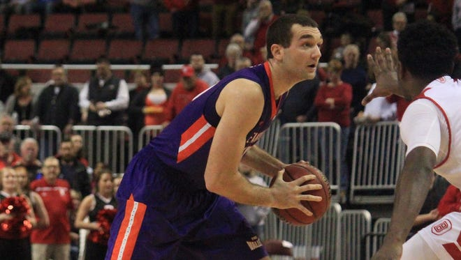Evansville senior Blake Simmons recorded career point No. 1,000 on Saturday in a 66-53 loss at Bradley.