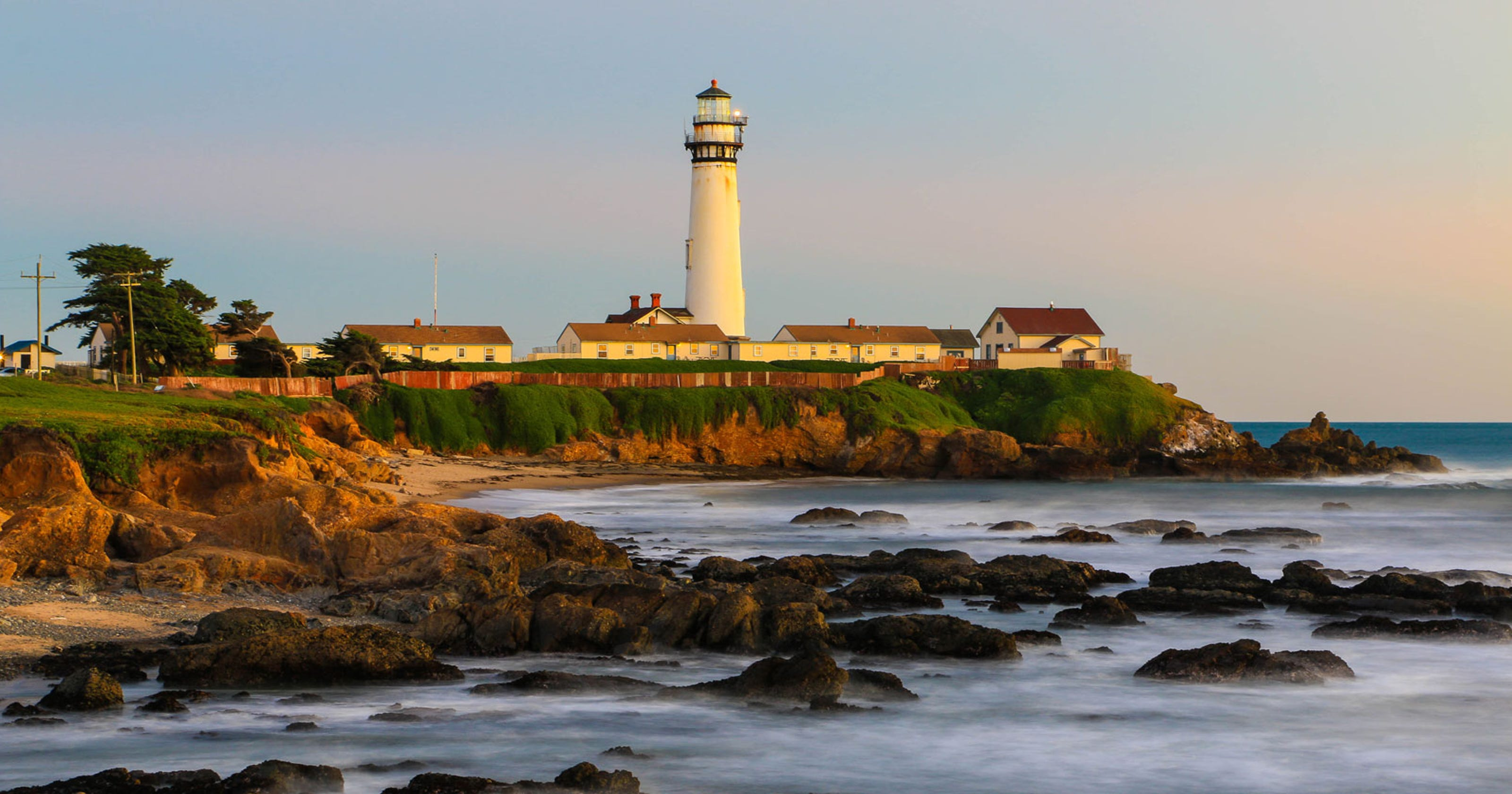 7bde1daa4 14 must-visit lighthouses around the USA
