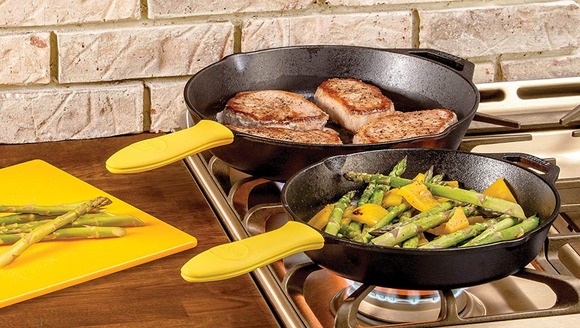 The best Thanksgiving tools of 2018: Lodge pans
