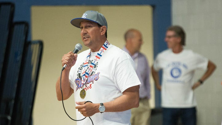 State championships a family affair for Las Cruces softball coach Alex Lopez