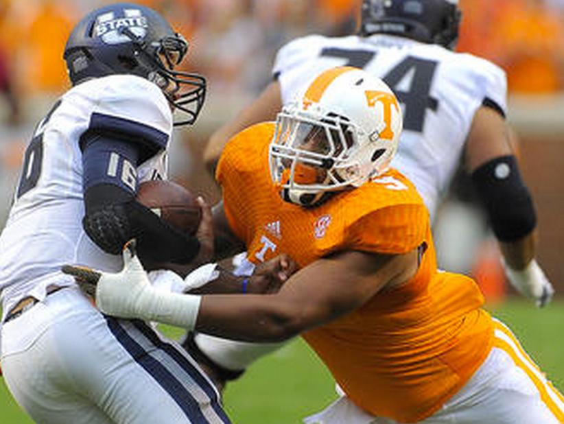 Tennessee defensive end Derek Barnett could rack up sacks against Bowling Green on Saturday.
