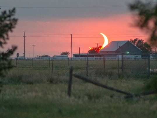 reader-boyer-sunset-eclipse