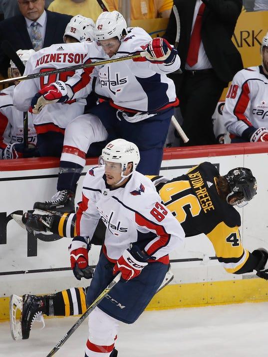 Capitals_Penguins_Hockey_04995.jpg