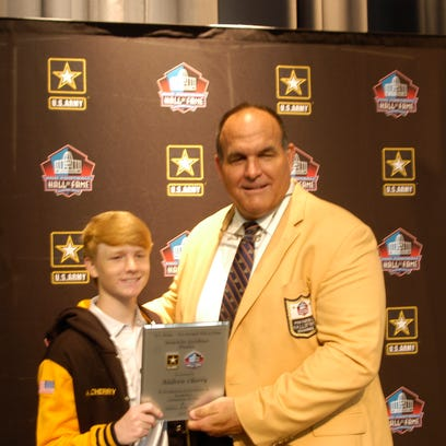 Dickson County's Cherry a finalist for U.S. Army, Pro Football Hall of Fame award
