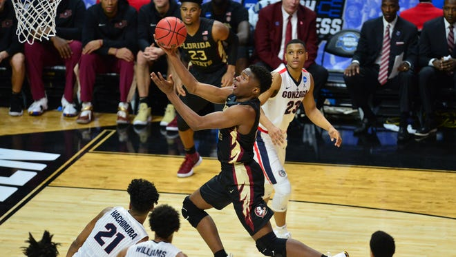 Florida State Seminoles forward Mfiondu Kabengele (25) moves to the basket against the Gonzaga Bulldogs during the second half in the semifinals of the West regional of the 2018 NCAA Tournament at STAPLES Center.