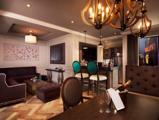 Cromwell Hotel-Casino
