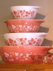 This Pyrex bowl design is called Gooseberry.