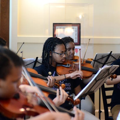 The Hattiesburg High School Chamber Orchestra performs