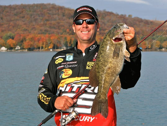 Metro state kevin vandam opens bassmaster classic in 12th for Novi fishing show