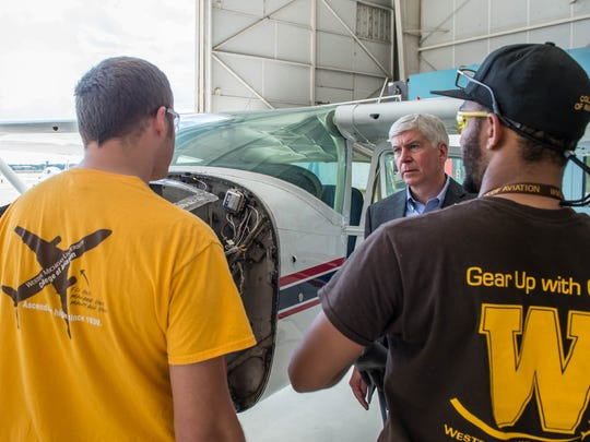 Gov. Rick Snyder speaks to students at Western Michigan University's College of Aviation on Thursday.
