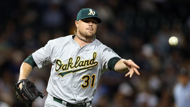 Cubs land free agent prize, Jon Lester.