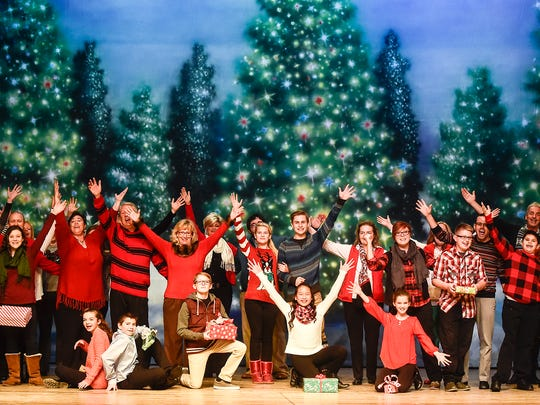 Christmas Homecoming Cast.Christmas Homecoming At The Palace Opens Friday