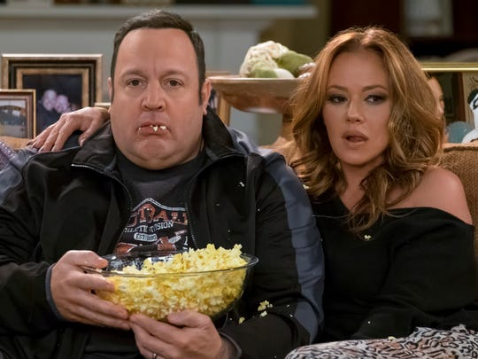 Kevin James and Leah Remini in the season finale of CBS sitcom 'Kevin Can Wait.'