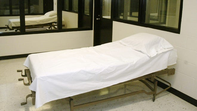 This April 12, 2005 file photo shows the death chamber at the Missouri Correctional Center in Bonne Terre, Mo.
