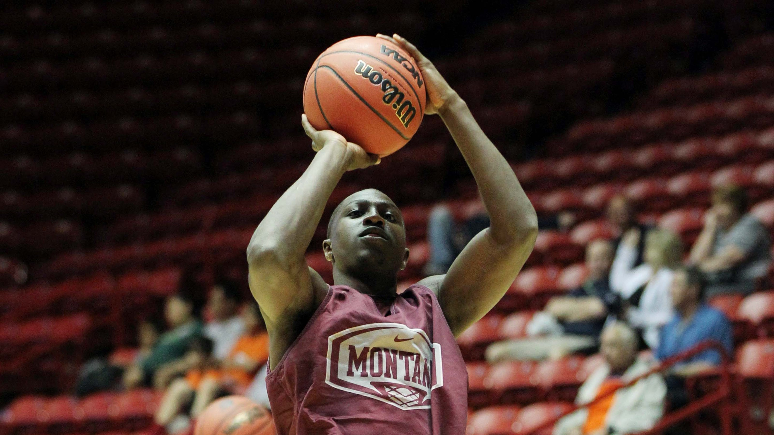 Montana guard Will Cherry out with broken foot