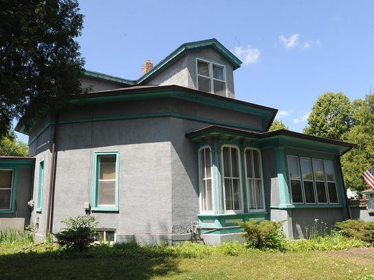 The Octagon House has it stands today at 276 Linden