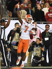 Clemson wide receiver Mike Williams (7) reacts after