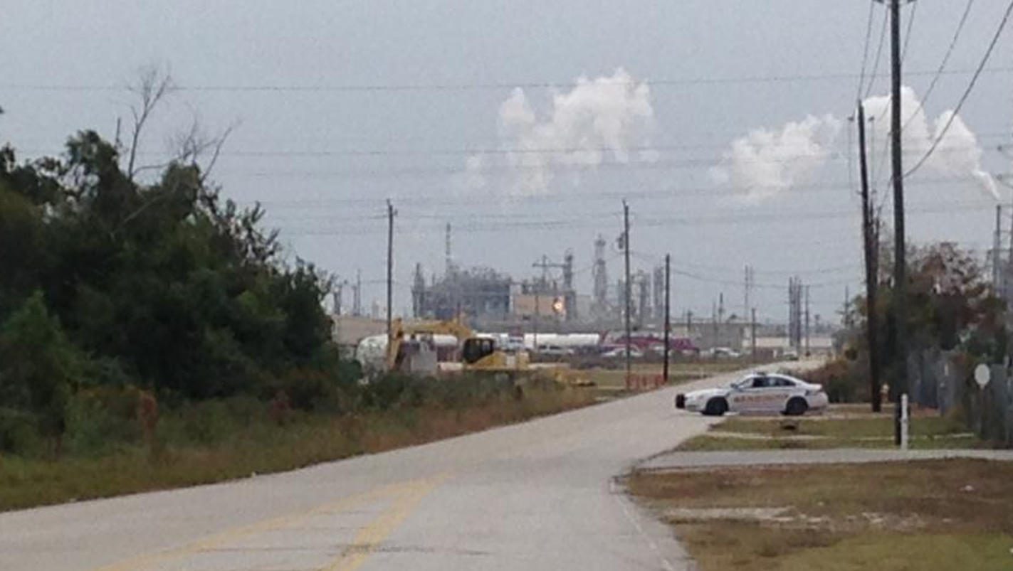4 workers killed in dupont chemical leak for City of la porte jobs