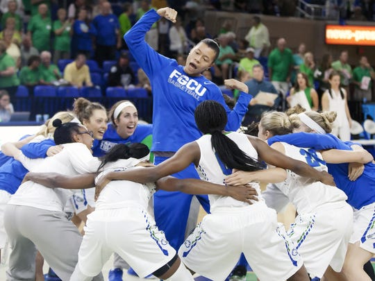 Whitney Knight, firing up teammates before a game this season, had all 13 of her points in the first quarter of FGCU's 78-47 win Tuesday, Jan. 26, at Kennesaw State.