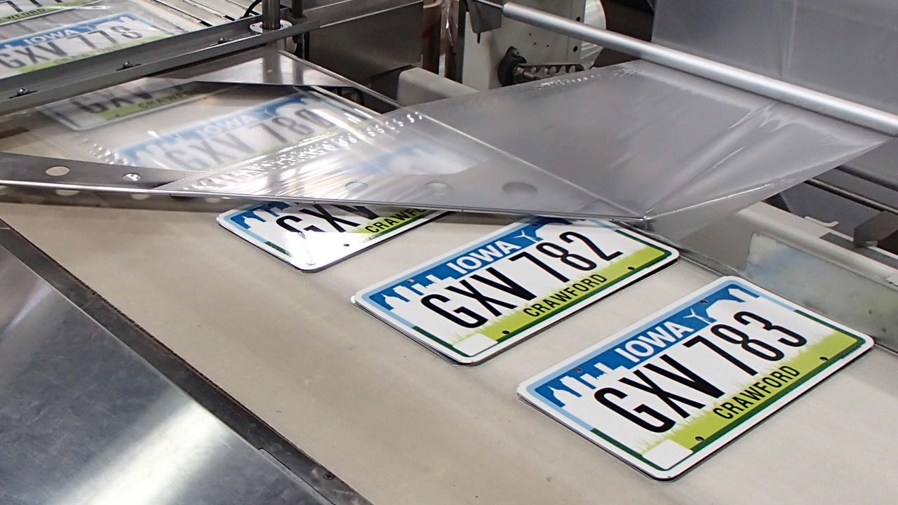 'Nothing has ever really been like this': The story behind Iowa's unprecedentedly popular blackout license plates