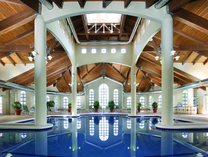 50 beautiful indoor hotel pools for Hotels with indoor pools in florida