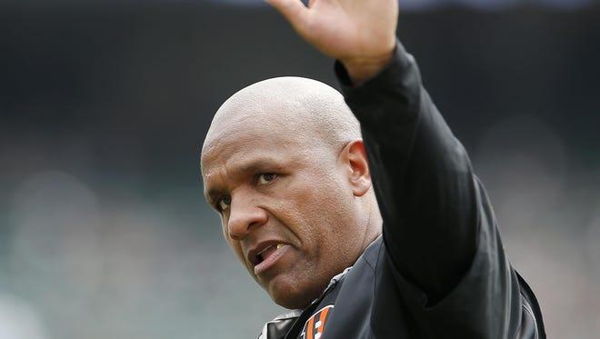 Cincinnati Bengals offensive coordinator Hue Jackson.