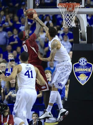 Willie Cauley-Stein and UK forced Arkansas into missing its final eight shots of the first half Sunday.