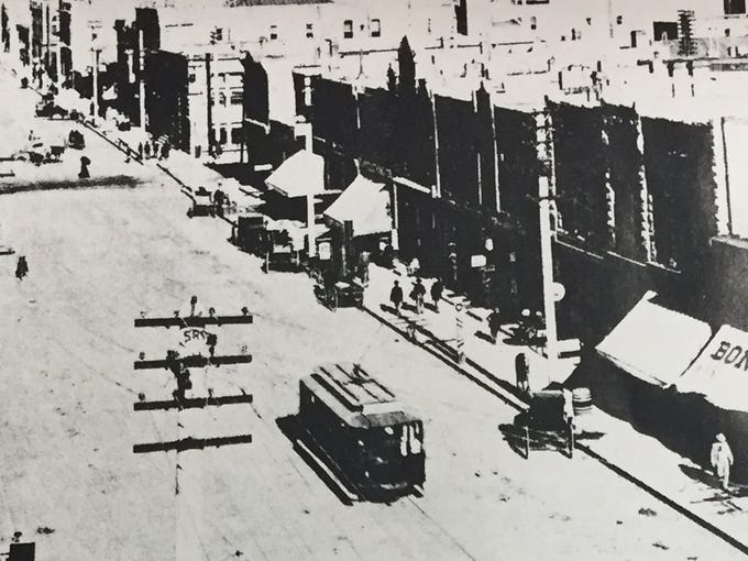 Central Avenue looking east in 1898. One of the Pullman