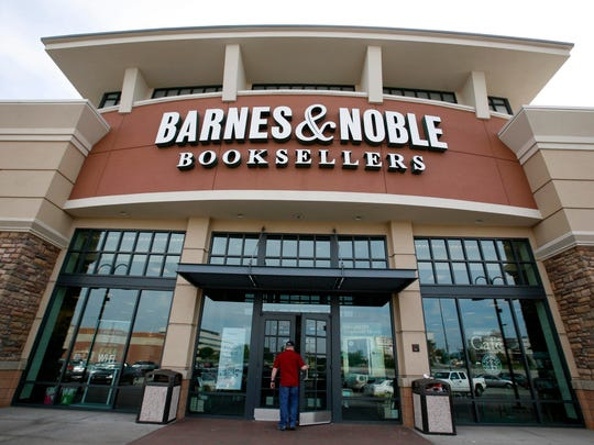 Enjoy cosplay at the Barnes & Noble bookstore.