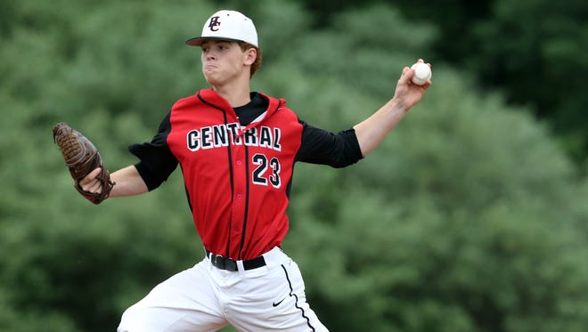Hunterdon Central's Joey DeChiaro pitches against South Brunswick in the Central Group IV final on June 3, 2016.
