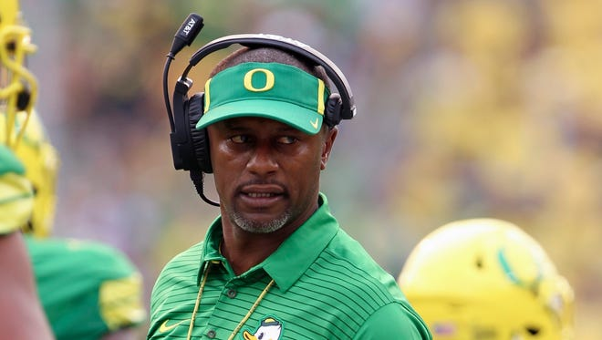 Sep 2, 2017; Eugene, OR, USA;  Oregon Ducks head coach Willie Taggart reacts after his defense allowed a Southern Utah Thunderbirds' touchdown in the first half at Autzen Stadium. Mandatory Credit: Jaime Valdez-USA TODAY Sports