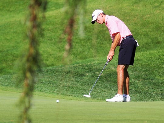 Will Grimmer watches his putt during the round of 16