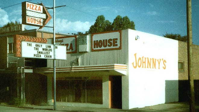 The first Johnny's Pizza House opened on DeSiard Street across from what is now the University of Louisiana at Monroe in 1967. Founder Johnny Huntsman called it the only link in the world's smallest pizza chain.