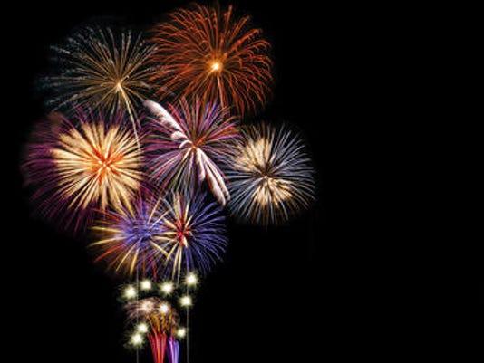 635712901994665818-fireworks-main