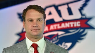 Florida Atlantic Owls head coach Lane Kiffin.