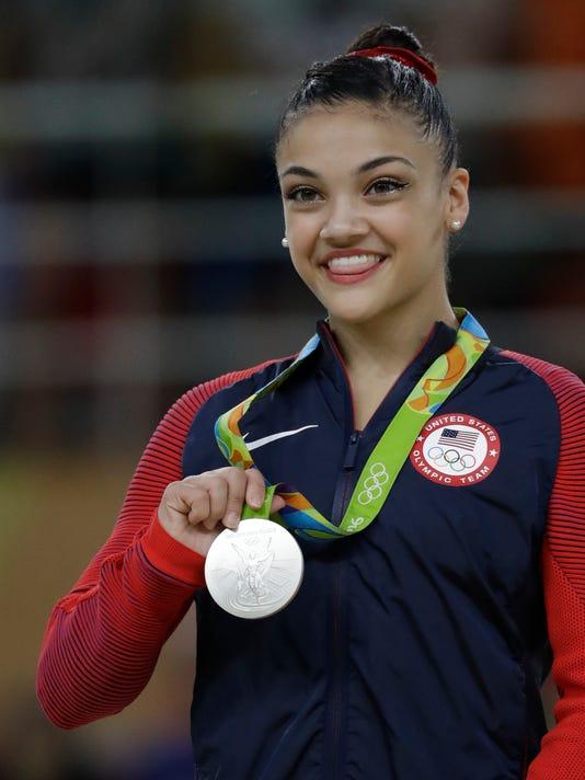 636068807997990608-Hernandez-medal.jpg