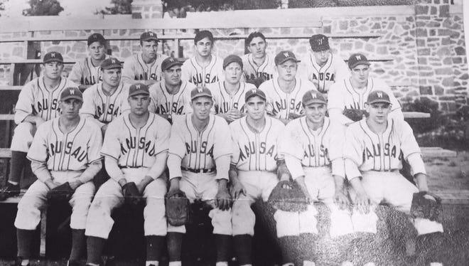 An image of a 1940s Wausau Lumberjacks baseball team from the baseball collection at the Marathon County HIstorical Society
