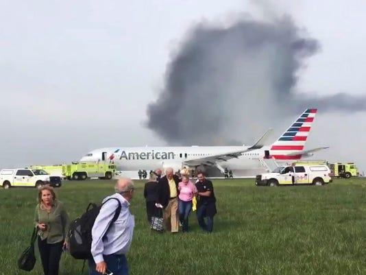 AP PLANE FIRE CHICAGO A USA IL