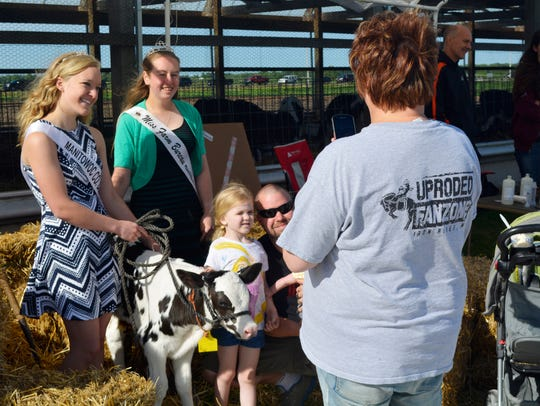 Miss Farm Bureau Heidi Propson and Manitowoc County