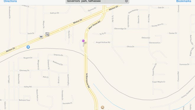 Apple map shows entrance to Governor's Park. The gray line is the path of the Fern Trail.