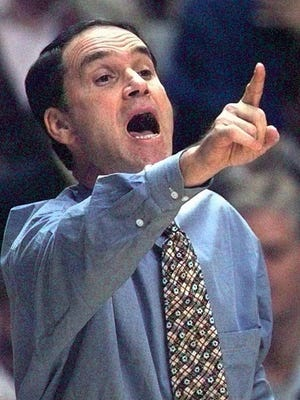Eddie Fogler coaching for South Carolina in 1997.