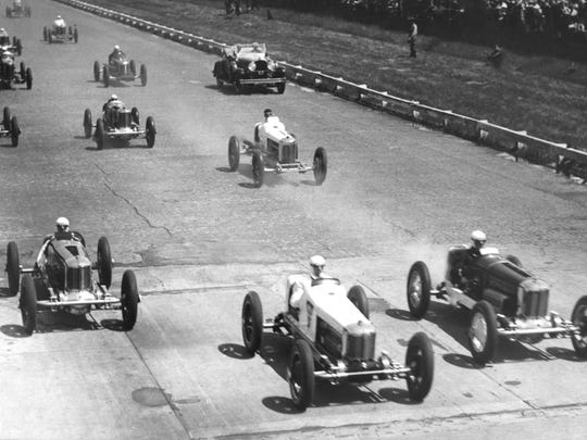 Cliff Woodbury (center) got the jump on pole sitter and track record holder Leon Duray (right) at the start of the 1928 Indianapolis 500. But Woodbury couldn't hold the lead for the full lap and neither driver challenged for the victory. Duray finished 19th, Woodbury 23rd.