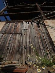 -DCA 0719 logerquist barn 2.jpg_20140715.jpg