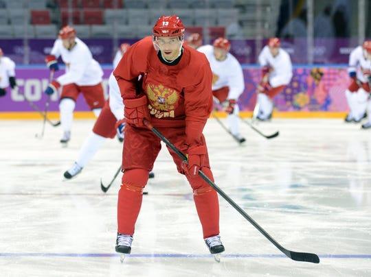 2014-02-11-pavel datsyuk-skate