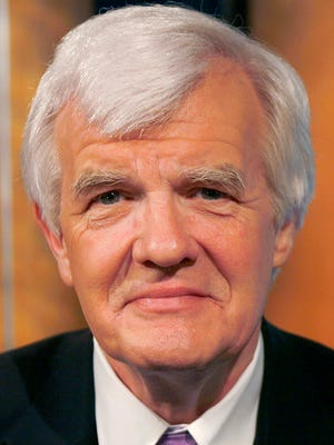 Al Hunt, executive editor for Bloomberg News, poses for a photo in Washington, D.C., U.S., on Wednesday, Feb. 25, 2009. Photographer: Dennis Brack/Bloomberg News
