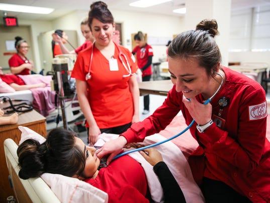 636524928698319354-0125-nurses-04.jpg