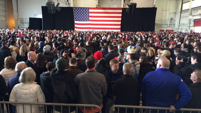 The crowd nears capacity an hour before Donald Trump's expected arrival/